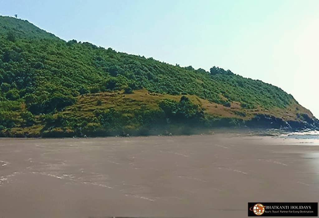 Velas Beach harihareshwar